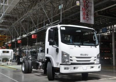بنهاية خطوط إنتاج الشاحنات